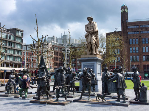Rembrandtplein - The night Watch Statue